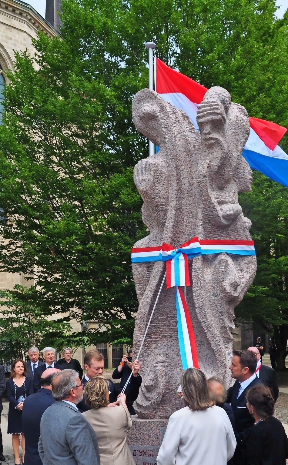 Bildergebnis für Luxemburg holocaust skulptur